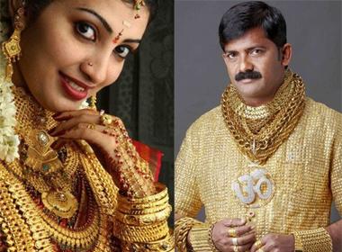 Cô dâu Ấn Độ đeo hàng yến vàng trên người