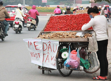 Dâu tây 20.000 đồng/lạng bán ở Hà Nội có phải hàng Đà Lạt?
