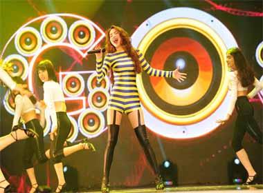 Hồ Ngọc Hà chia sẻ cảm xúc sau đêm Live concert kỉ niệm 10 năm ca hát