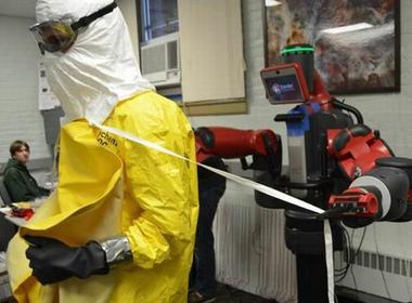 Dự án dùng robot phòng chống Ebola