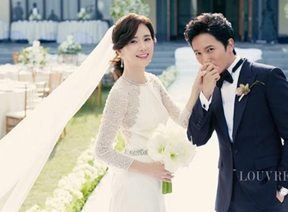Hoa hậu Lee Bo Young chuẩn bị chào đón con đầu lòng sau 1 năm kết hôn