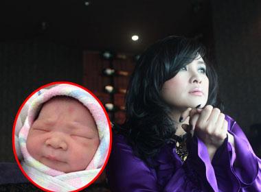 Diva Thanh Lam lên chức Bà ngoại