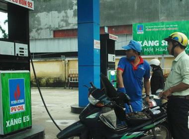 Triển khai bán xăng E5 từ ngày 26/11 tại TP.HCM