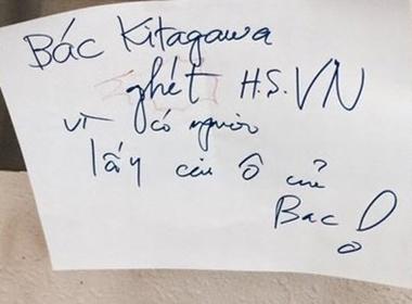 Cụ ông Nhật tố học sinh Việt trộm ô bằng tiếng Việt