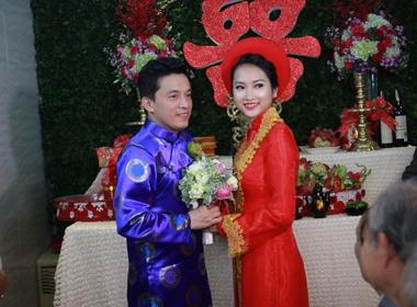 Đám cưới Lam Trường lần 2: Cô dâu Yến Phương rạng ngời hạnh phúc