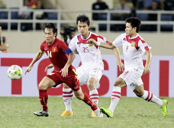 Đội trưởng đội tuyển Việt Nam Tấn Tài lại ngồi dự bị