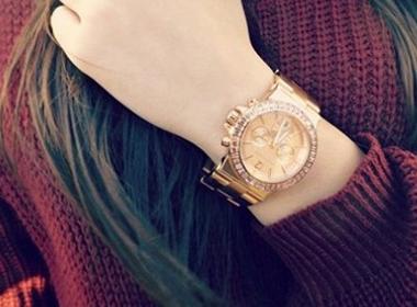 Top 10 chiếc đồng hồ nữ đẹp và đắt nhất 2014