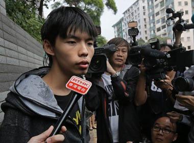 Lãnh đạo sinh viên Hồng Kông cáo buộc cảnh sát tra tấn