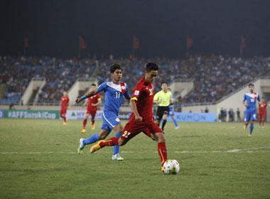 Video: Pha dứt điểm của Minh Tuấn nâng tỷ số lên 2-0 cho ĐT Việt Nam