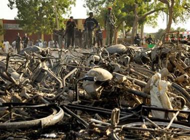 Đánh bom đẫm máu tại nhà thờ, 400 người thương vong