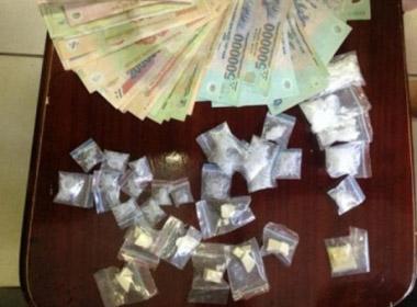 'Độc chiêu' cất giấu 32 gói ma túy, lần đầu tiên phát hiện tại chốt 141