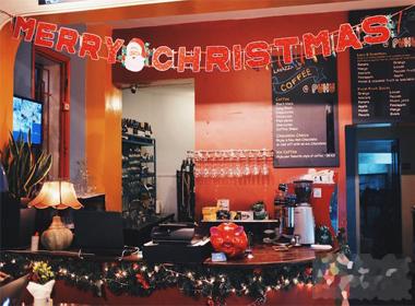 Những cửa hàng, quán cafe trang trí đẹp nhất mùa Noel năm nay ở Hà Nội