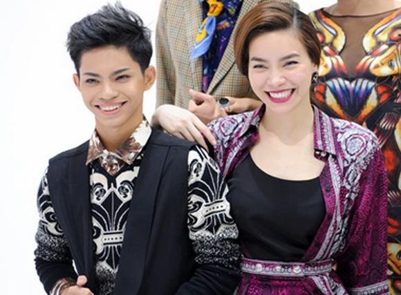 Hà Hồ thích thú khi đụng độ bản sao tại Fashionista Vietnam
