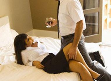 Thiếu nữ vào nhà trọ tắm cùng bạn trai rồi tố bị 'hiếp dâm'