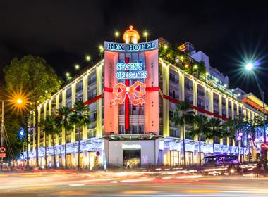 Tưng bừng tiệc đón giáng sinh và năm mới tại Rex hotel