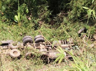 Xe quân đội rơi xuống vực sâu, 5 người tử vong