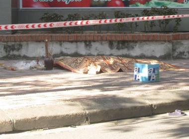 Hà Nội: Rơi từ tầng 7 chung cư, 1 phụ nữ thiệt mạng