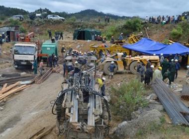 Vụ sập hầm thủy điện: Điều 45 chiến sĩ, 3 bác sĩ từ TP HCM lên cứu hộ