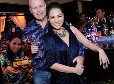 Chùm ảnh Thu Minh hạnh phúc viên mãn khi mang bầu 4 tháng