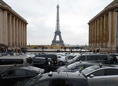 Uber cầu cứu Liên minh châu Âu sau khi bị Pháp cấm