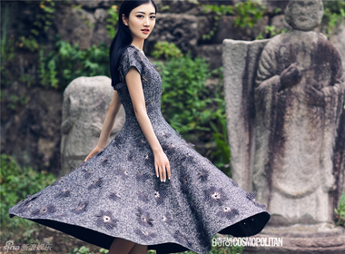 Mỹ nữ Bắc Kinh Cảnh Điềm khoe dáng ngọc tha thướt