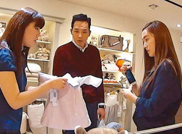 Jessica (SNSD) cùng bạn trai đi mua đồ em bé giữa nghi án sống chung