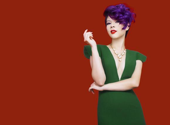 'Búp bê' Thanh Thảo 'thả rông' trong bộ ảnh mang màu sắc giáng sinh