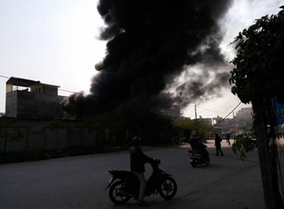 2 cháu bé nghịch lửa thiêu rụi xưởng nến lớn ở Hải Phòng