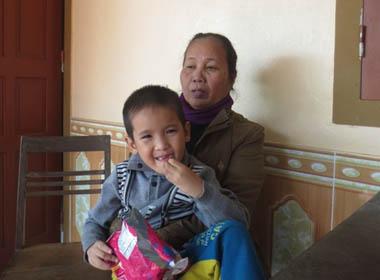 Vụ sập hầm: Quê nhà vỡ òa niềm vui khi các công nhân đã được cứu sống