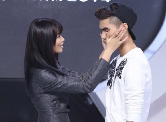 Vừa công khai yêu, cặp đôi Vietnam's Next Top Model đã phải chia tay