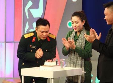 Diễn viên Tự Long xúc động vì được tổ chức sinh nhật trên truyền hình