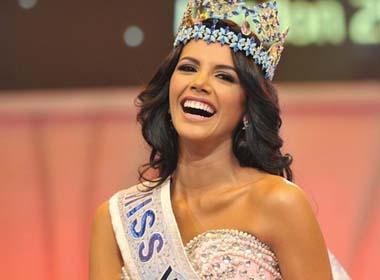 Hoa hậu thế giới 2011 đến Việt Nam làm giám khảo Hoa khôi áo dài