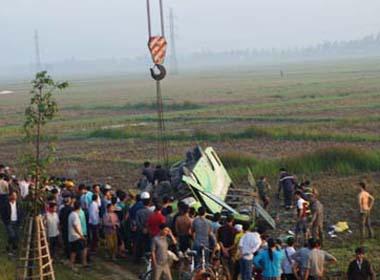 Xe khách người Việt gặp nạn tại Lào, 1 người tử vong