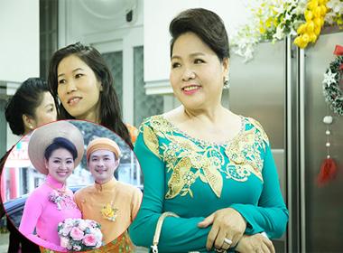 Mẹ Lê Khánh trẻ đẹp trong ngày vui của con gái