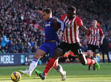 Hòa Southampton, Chelsea vô địch lượt đi