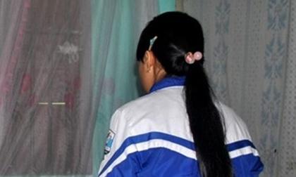 Cha tự tử đòi công bằng cho con gái bị cưỡng bức