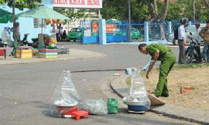 Một phụ nữ bán bánh bèo bị đâm tử vong trước cổng bệnh viện
