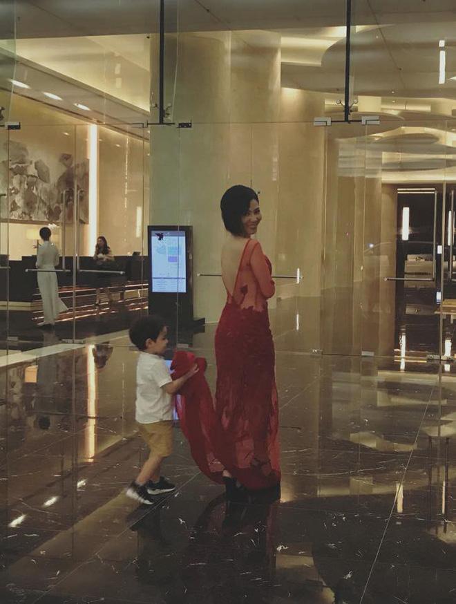 Lần đầu lộ diện con trai 3 tuổi của ca sĩ Thu Minh với chồng Tây - Ảnh 1.