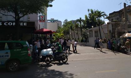 Người đàn ông nhảy lầu nghi tự tử tại toà nhà Saigon Trade Center