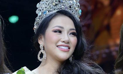 https://xahoi.com.vn/dang-quang-chua-bao-lau-hoa-hau-trai-dat-phuong-khanh-da-bi-to-vo-on-nho-tien-moi-doat-giai-318401.html