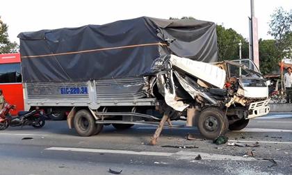 Lại xảy ra tai nạn khi dừng đèn đỏ, 6 người bị thương