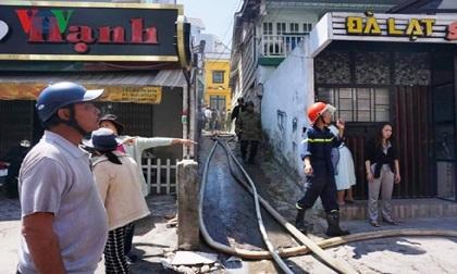 Hỏa hoạn ở Đà Lạt khiến người dân và khách du lịch hoảng hốt
