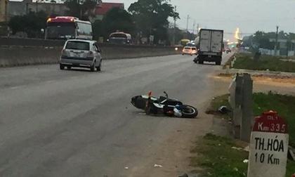 Thanh Hóa: Xe khách tông học sinh đi chơi Tết, 1 em tử vong