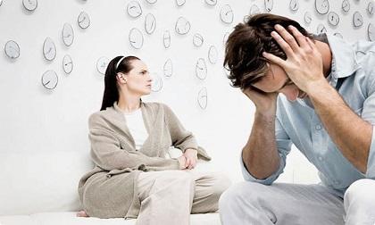 Chán nản vì vợ vừa lười lại vụng chăm con