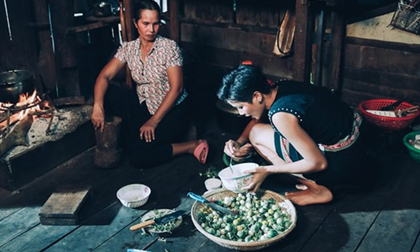 H'Hen Niê: Nàng hoa hậu cần được 'nhân bản' của showbiz Việt
