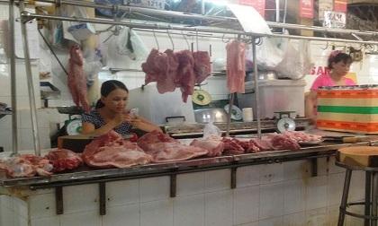 Thịt lợn giảm sâu, tiểu thương chợ truyền thống 'chết đứng'