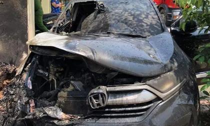 Thông tin mới nhất vụ ô tô tiền tỷ bốc cháy ngùn ngụt giữa trưa nắng