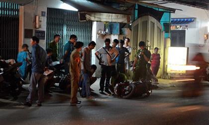 Hai thanh niên đang đi trên đường bất ngờ bị chém để cướp xe ở Sài Gòn