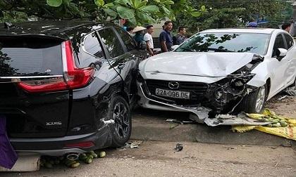Nữ tài xế xe Mazda 3 gây tai nạn liên hoàn do đạp nhầm chân ga