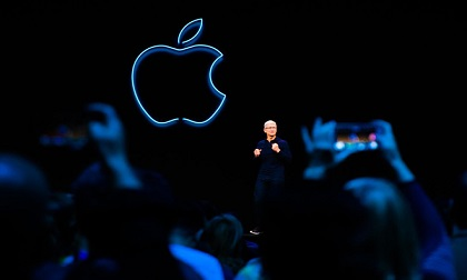 8 năm đương nhiệm, CEO Tim Cook đã chèo lái Apple thành công ra sao?